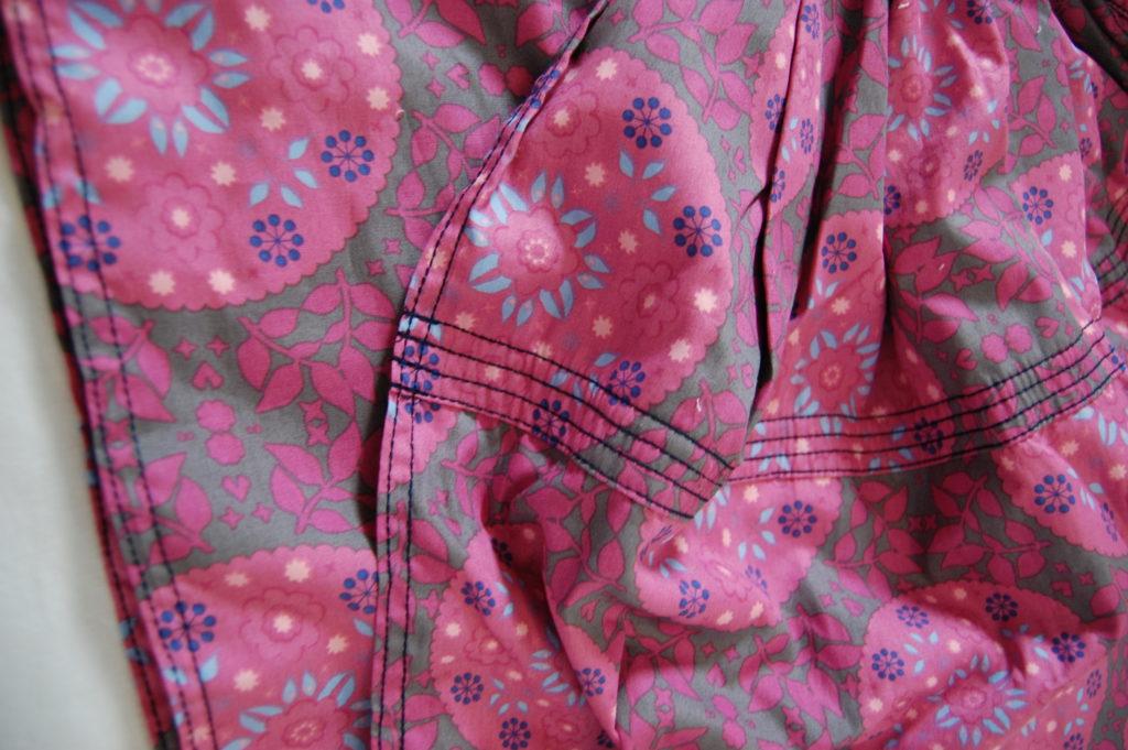 Balstjurrich ringsling roze detail naad
