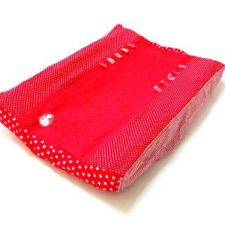 aankleedkussenhoes verschillende rode stofjes, wafelkatoen, lintjes